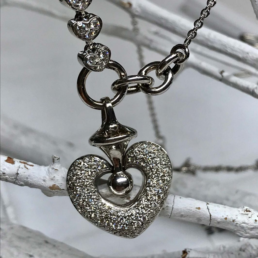 Lady's Necklace with Diamond Heart Pendant