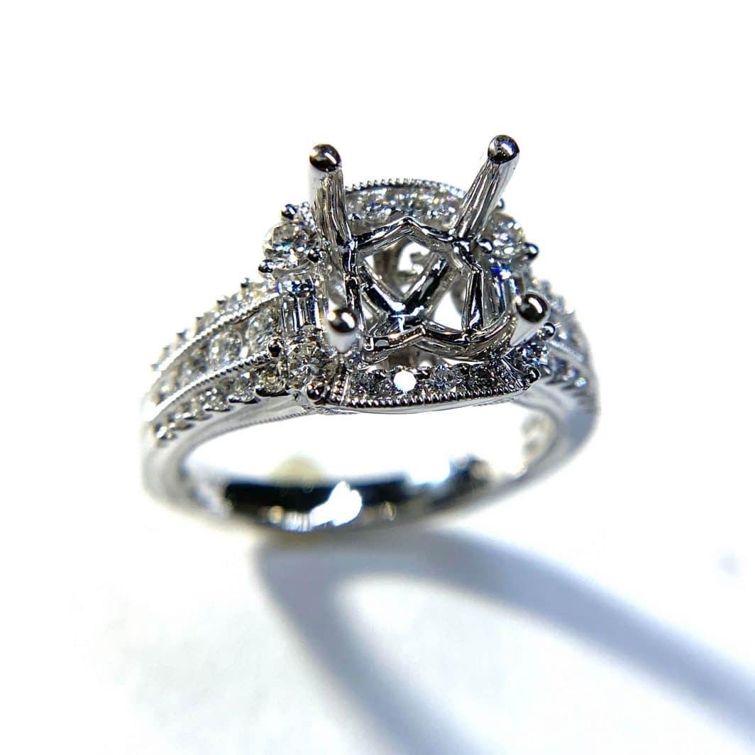 Elegant Diamond Halo Engagement Ring