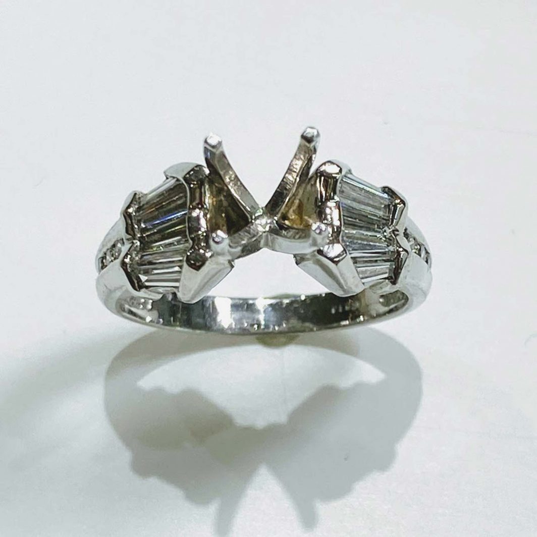 Ladys Platinum Engagement Ring