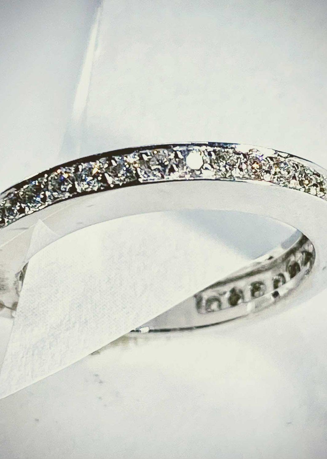 14K White Gold Diamond Band (105-573)