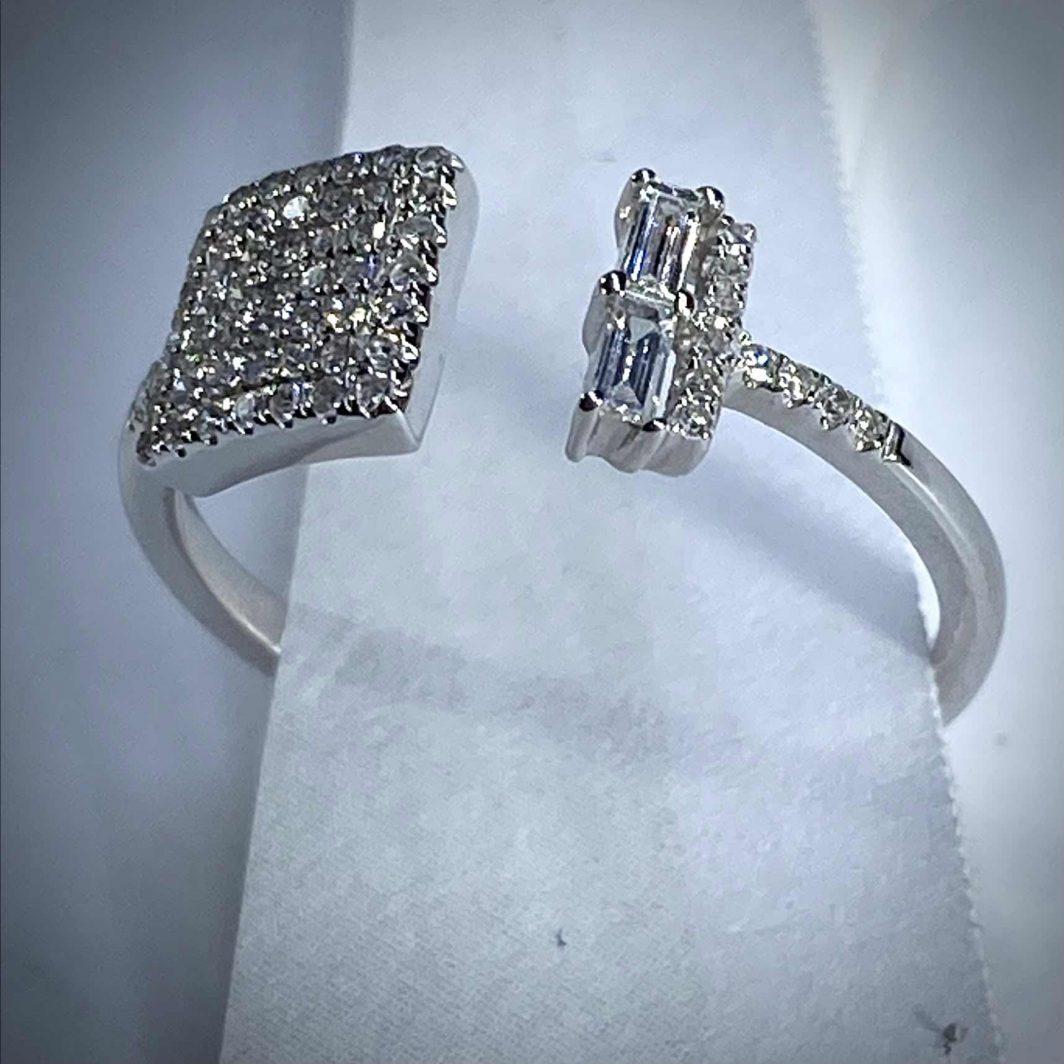 Diamond Ring 14K Gold (107-367)