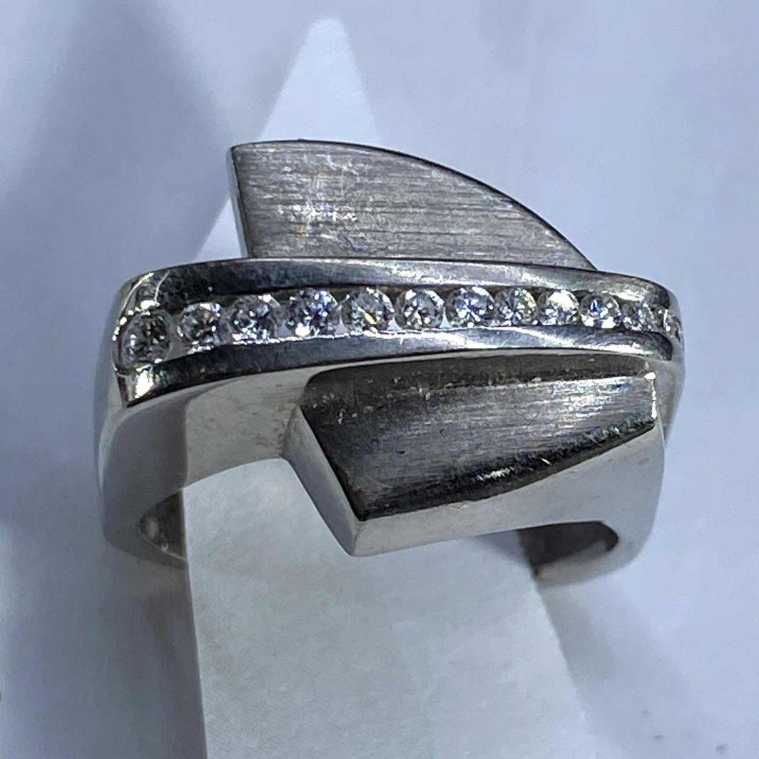 Diamond Ring 18K Fashion (107-179)