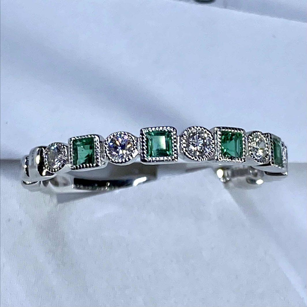 Emerald Diamond Band 14k White Gold (207-487)